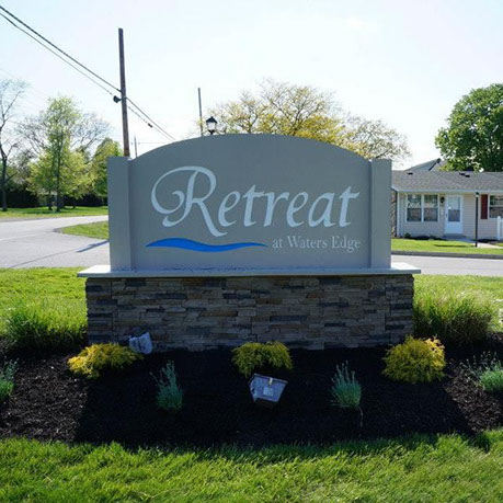 Retreat at Waters Edge Condominium sign